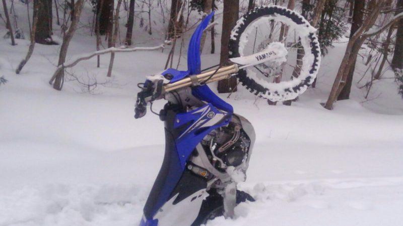 雪中 林道 ツーリング 行きました!